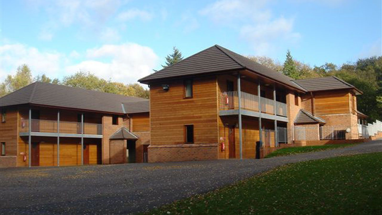 Jobs And Apprenticeships At Pgl Marchants Hill Outdoor