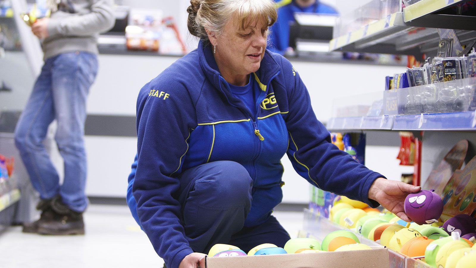 Retail Stocking Jobs Sex Picture Women Usa
