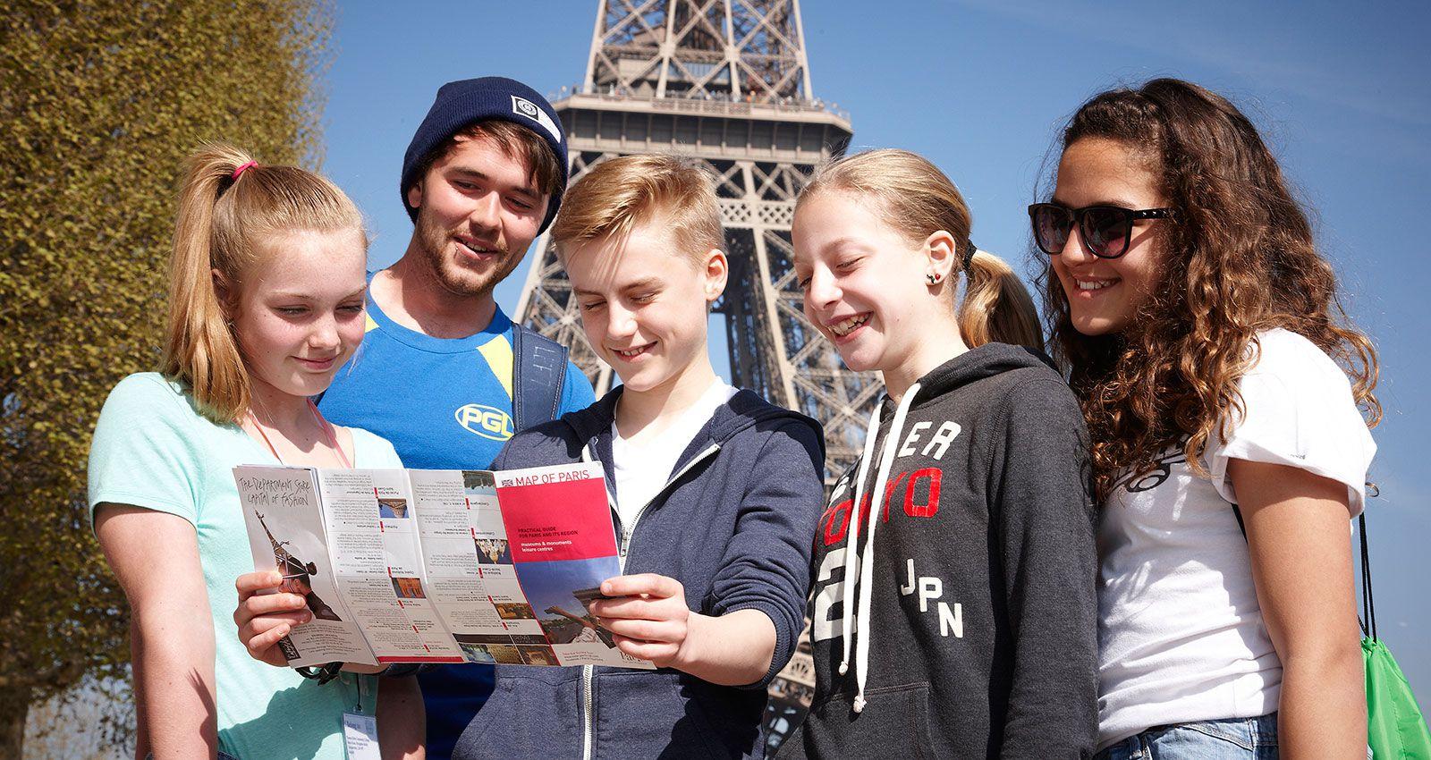 SS M French paris eiffel tower excursion map - Pháp Cấm Điện Thoại Thông Minh Trong Trường Học