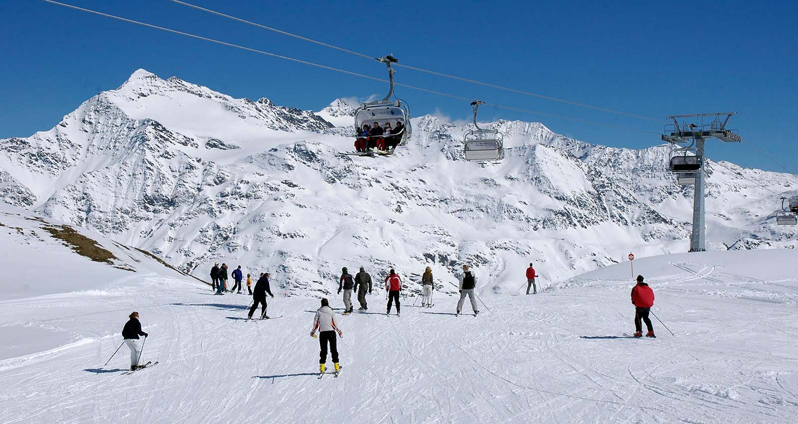 Take your school or group on ski trip to Italy