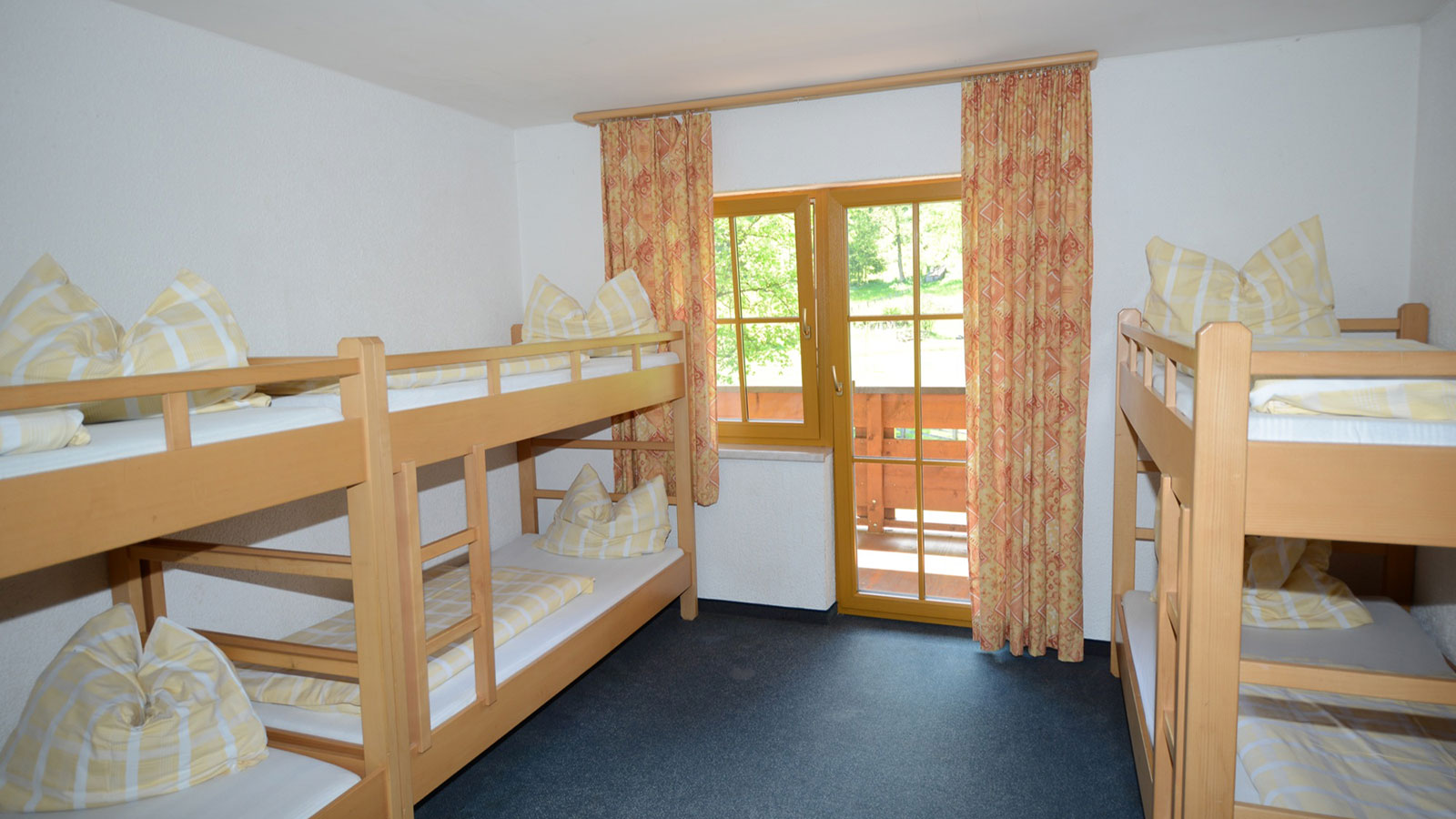 Jugendhotel Schlosshof School Ski Trip Accommodation