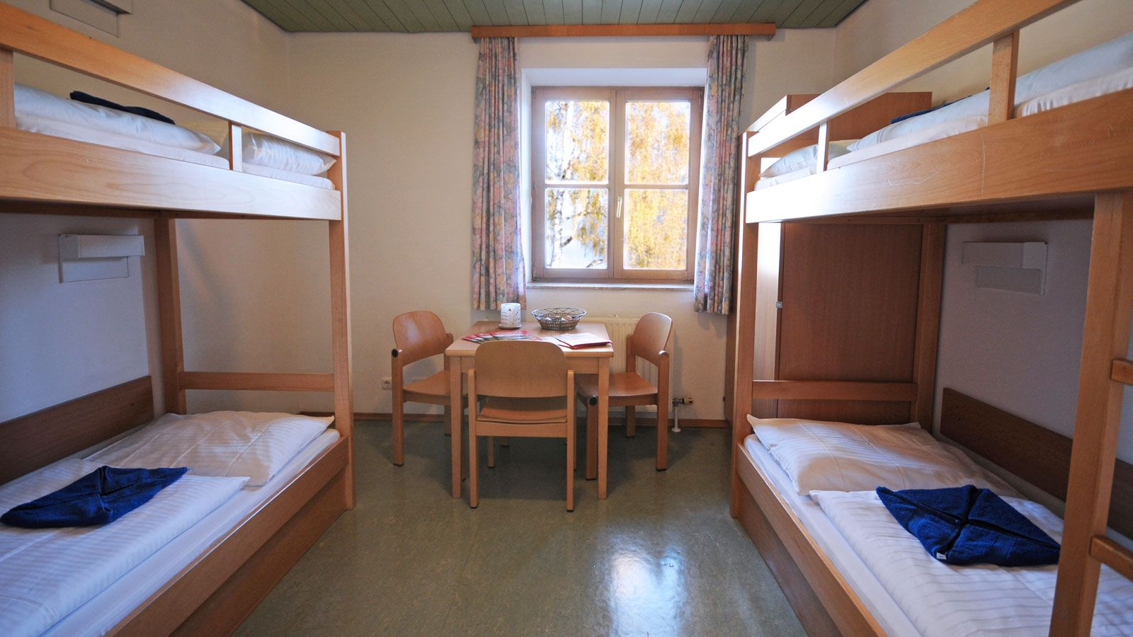 Junges Hotel Zell Am See School Ski Trip Accommodation