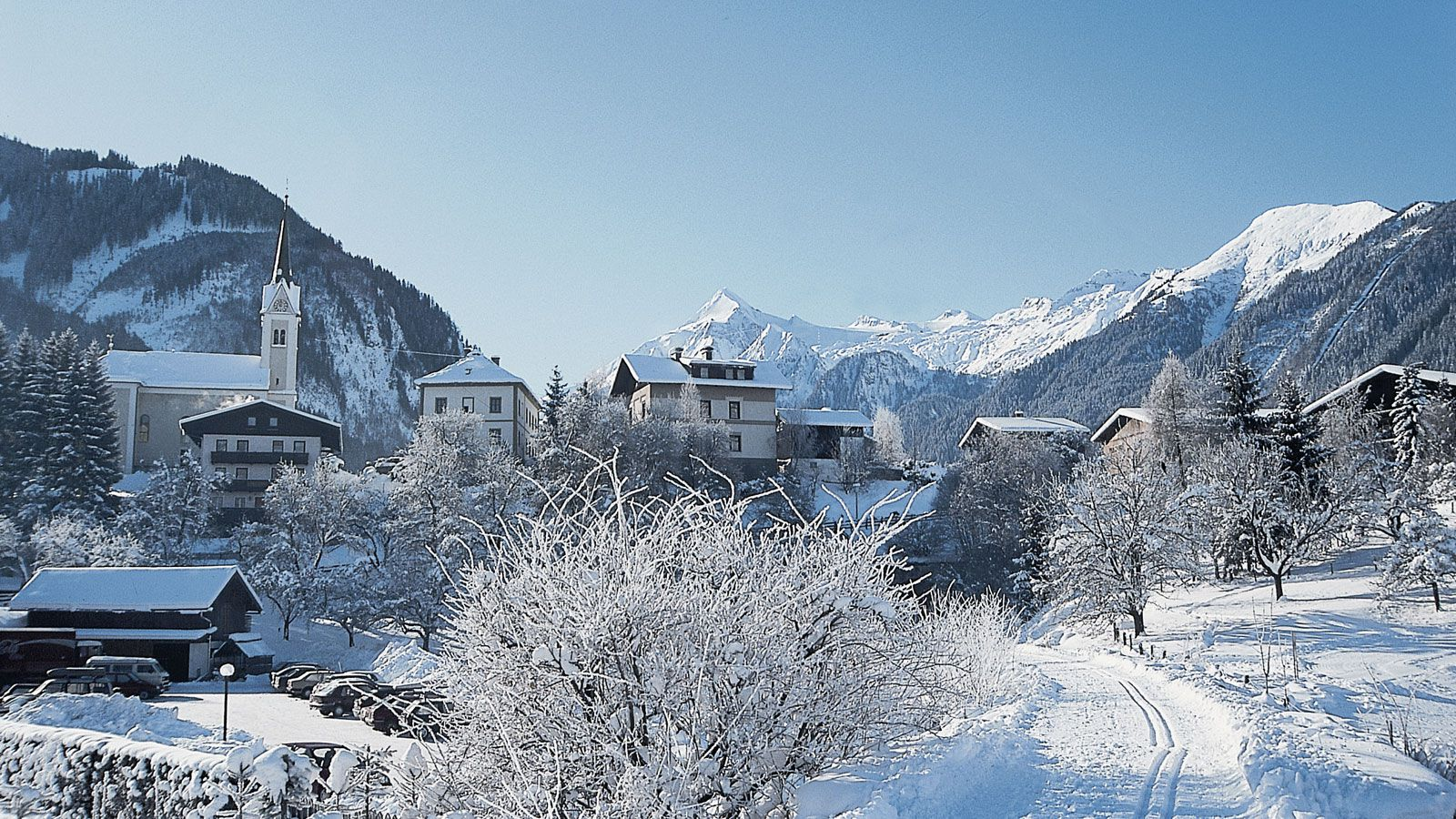 zell am see black personals 눉 air conditioning in the high temperatures not available no full a la carte menu for evening meals had to make a choice at breakfast lake view ordered was a small gap betwee.